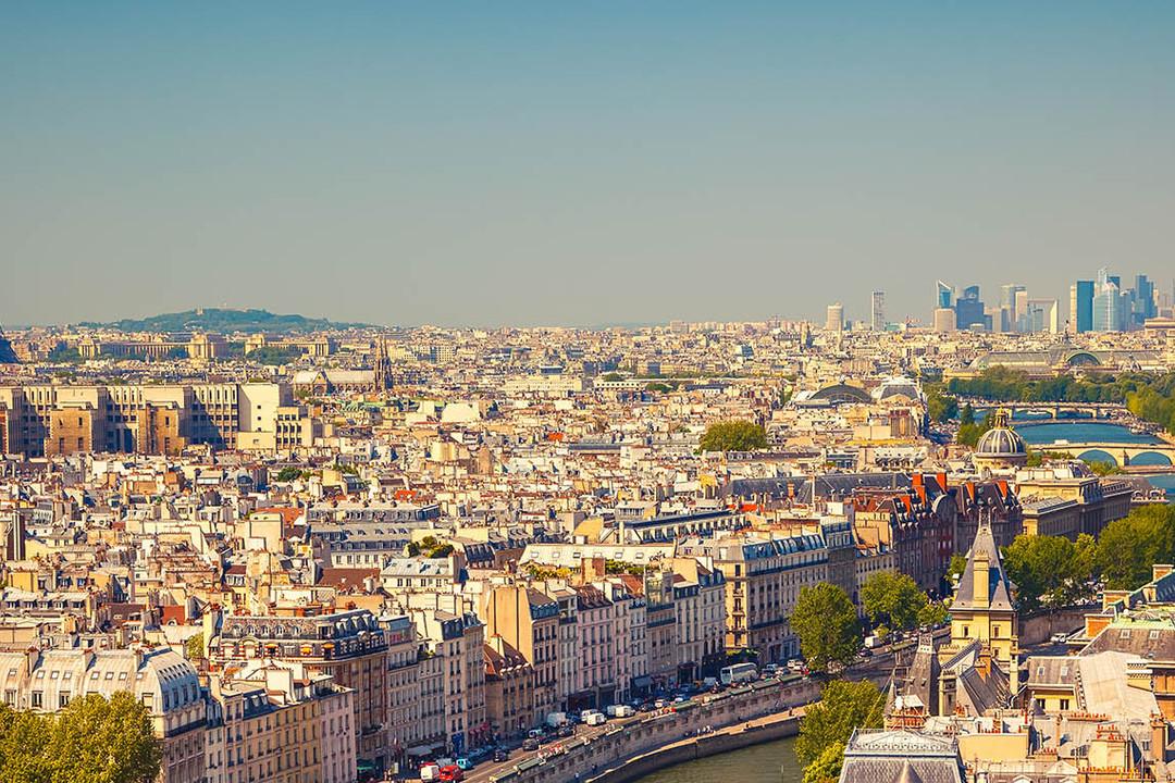Parijs-de-keerzijde-van-de-vastgoedmedaille.jpg