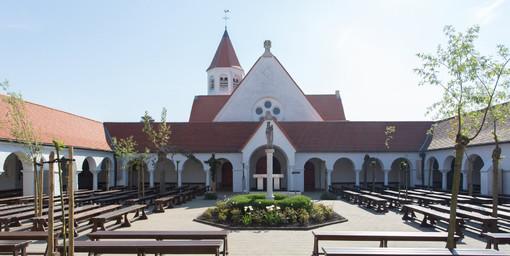 Dominicanenkerk-knokke.jpg