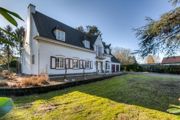Prachtig gelegen Villa met 4 slpks op +/-3000m²