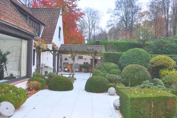 Jolie villa de 265 m² habitables sur un terrain de 67 ares, ,calme garanti, proche du golf de l'Empereur