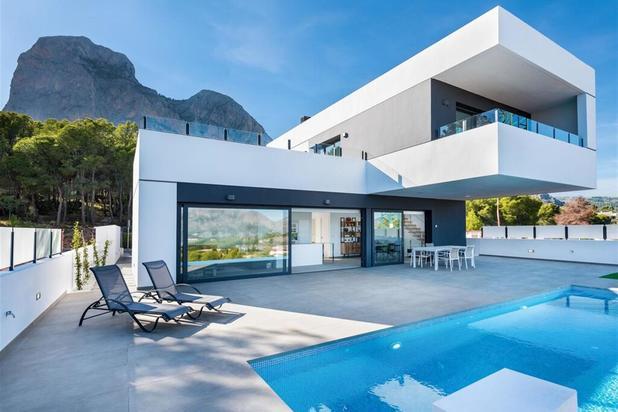 Prachtige villa's met zwembad en panoramisch uitzicht.