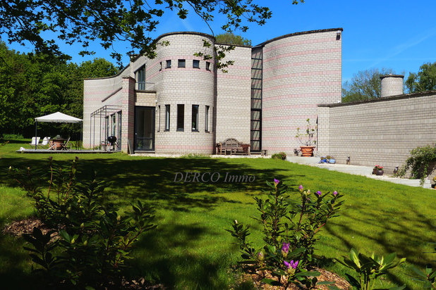 modern villa on 5,200 m2 * very quiet * nice VIEW