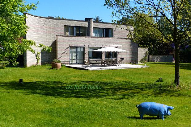 villa contemporaine sur  52 are * belle VUE * au CALME